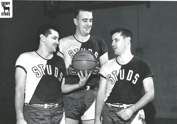 Bob Houbregs, center, shown here with the famous O'Briens twins, made the Basketball Hall of Fame in 1987. / David Eskenazi Collection