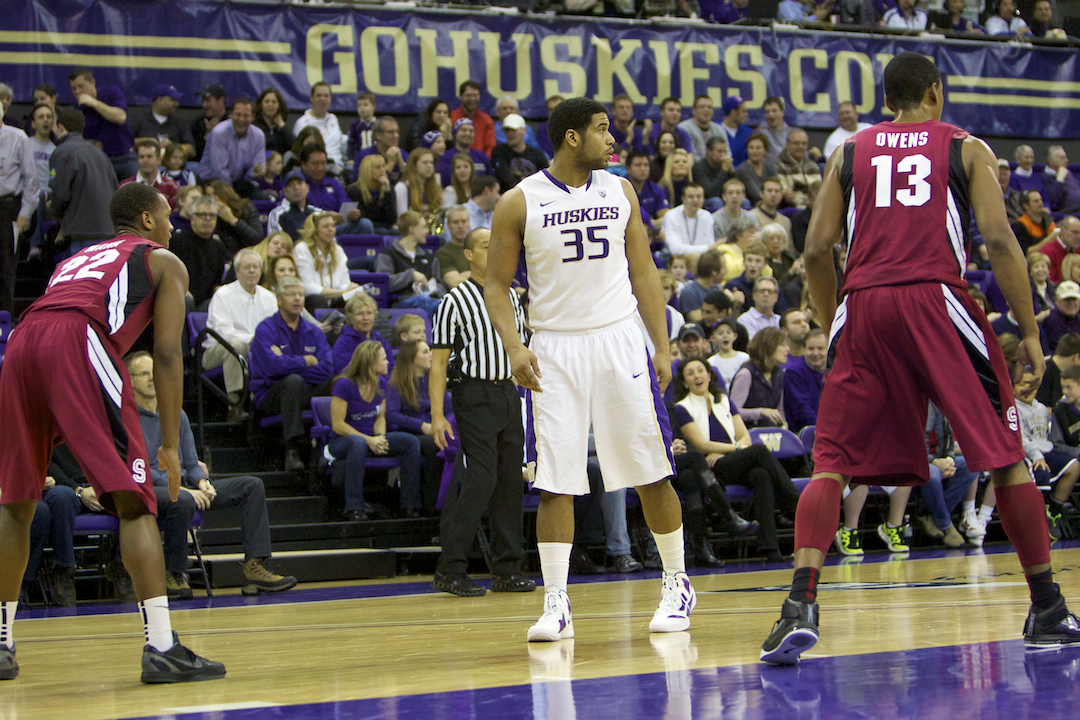 Austin Seferian-Jenkins, who played hoops for Washington his freshman year, pleaded guilty Monday to felony DUI. / Drew Sellers, Sportspress Northwest