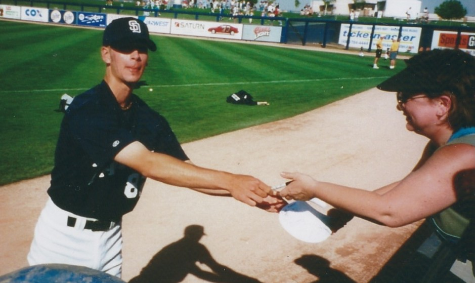 Autograph seekers sought pitcher Gerik Baxter during the Padres spring training in Peoria, Az. / Family collection