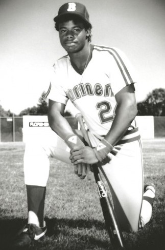 After signing with the Mariners, Griffey Jr. launched his professional career with the Bellingham Mariners, a rookie league team. He hit his first home run in his second game. / David Eskenazi Collection.