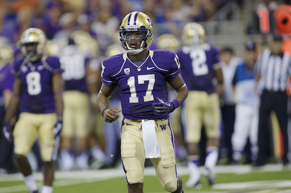 Washington QB Keith Price has been given more freedom in the Huskies' high-octane, uptempo offense. / Drew Sellers