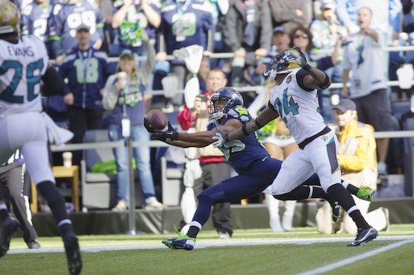 Doug Baldwin pulled in a touchdown with a grab that began one-handed on a pass from Tarvaris Jackson Sunday against Jacksonville. / Drew Sellers, Sportspress Northwest