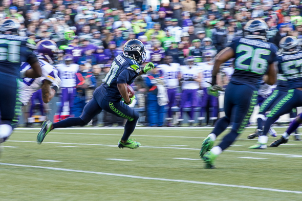A fleeting glimpse of WR Percy Harvin Nov. 17. Apparently he is scheduled to return to pratice Monday. / Drew McKenzie, Sportspress Northwest