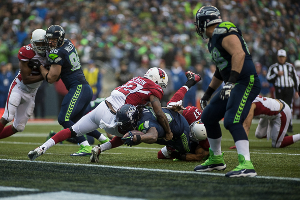 Marshawn Lynch, Seahawks, denied. / Drew McKenzie, Sportspress Northwest