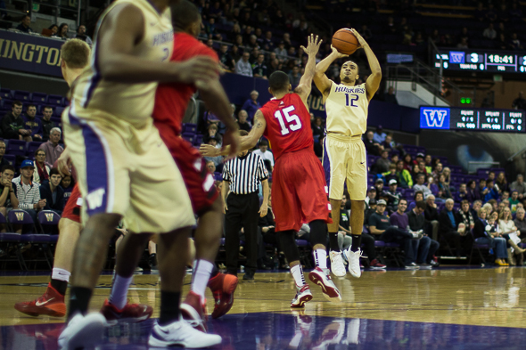 Andrew Andrews is the 18th player in UW history to surpass the 1,000 point mark. / Drew McKenzie, Sportspress Northwest