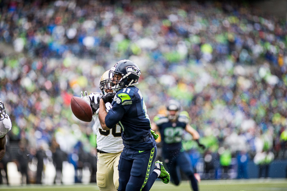 Seahawks WR Percy Harvin had three catches for 21 yards against the Saints, but was forced to leave the game at the end of the first half. / Drew McKenzie, Sportspress Northwest