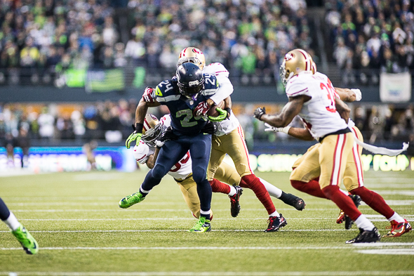 Early in the second half, Seahawks RB Marshawn Lynch tied the game at 10 with a 40-yard touchdown run. / Drew McKenzie Sportspress Northwest