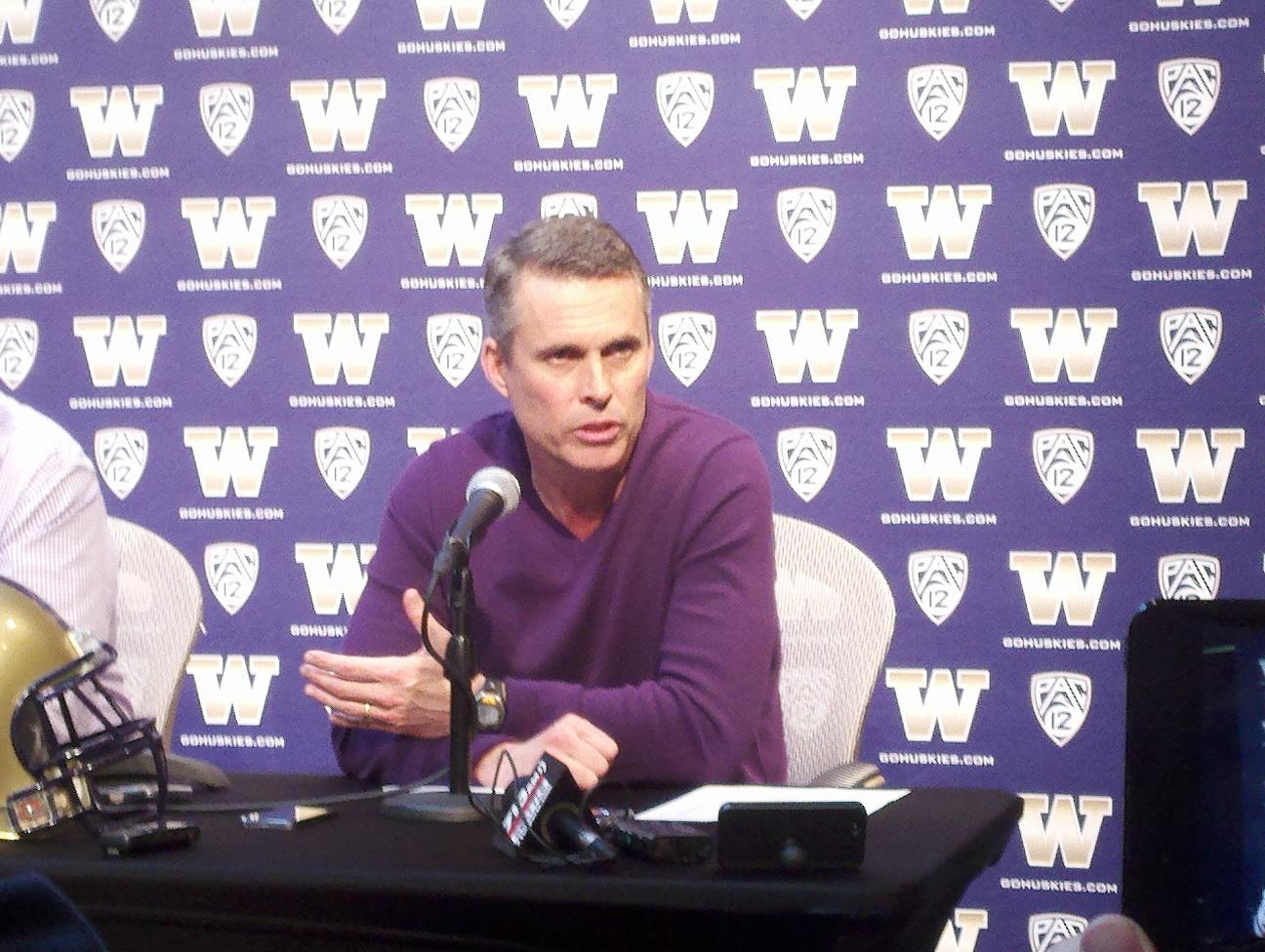 Chris Petersen finally gets to coach some football at Washington Tuesday. / Art Thiel, Sportspress Northwest