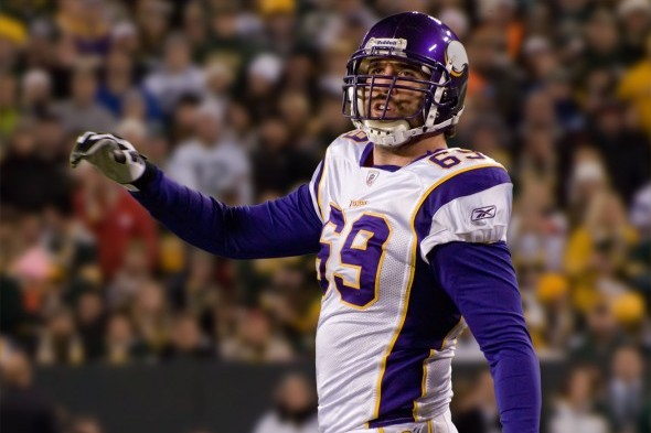 Jared Allen has recorded 128.5 sacks during his NFL career, including 85.5 over the last six seasons. / Wiki Commons