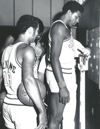 Haywood, weighing in with the Sonics, joined a Seattle franchise in 1970 led by player-coach Lenny Wilkens, standing just to Haywood's right. / David Eskenazi Collection