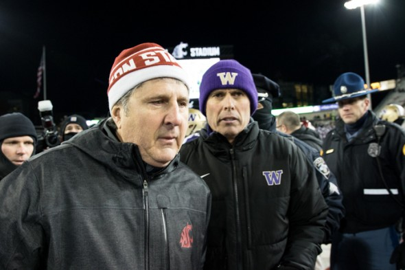 Mike-leach-chris-petersen-apple-cup-590x393