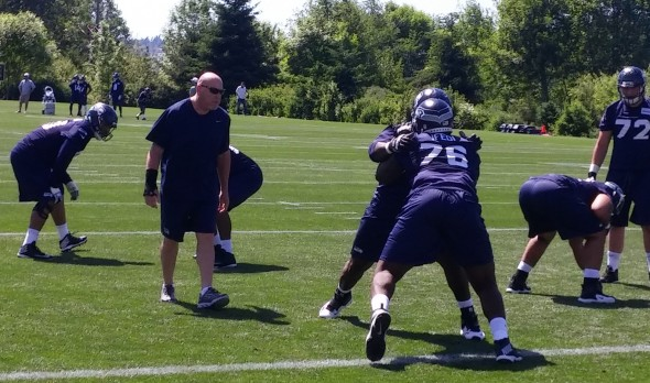 Seahawks fire OC Darrell Bevell