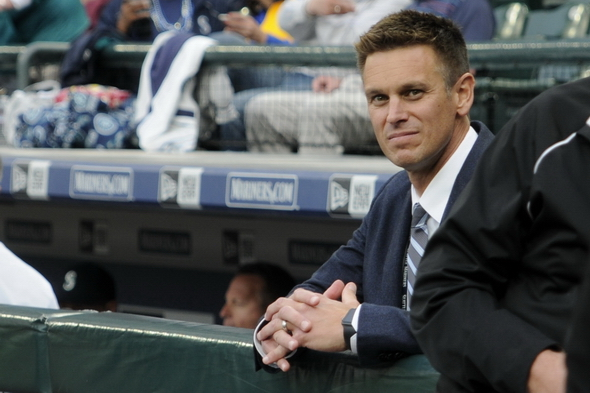 Jerry-dipoto-2016-opening-day-008